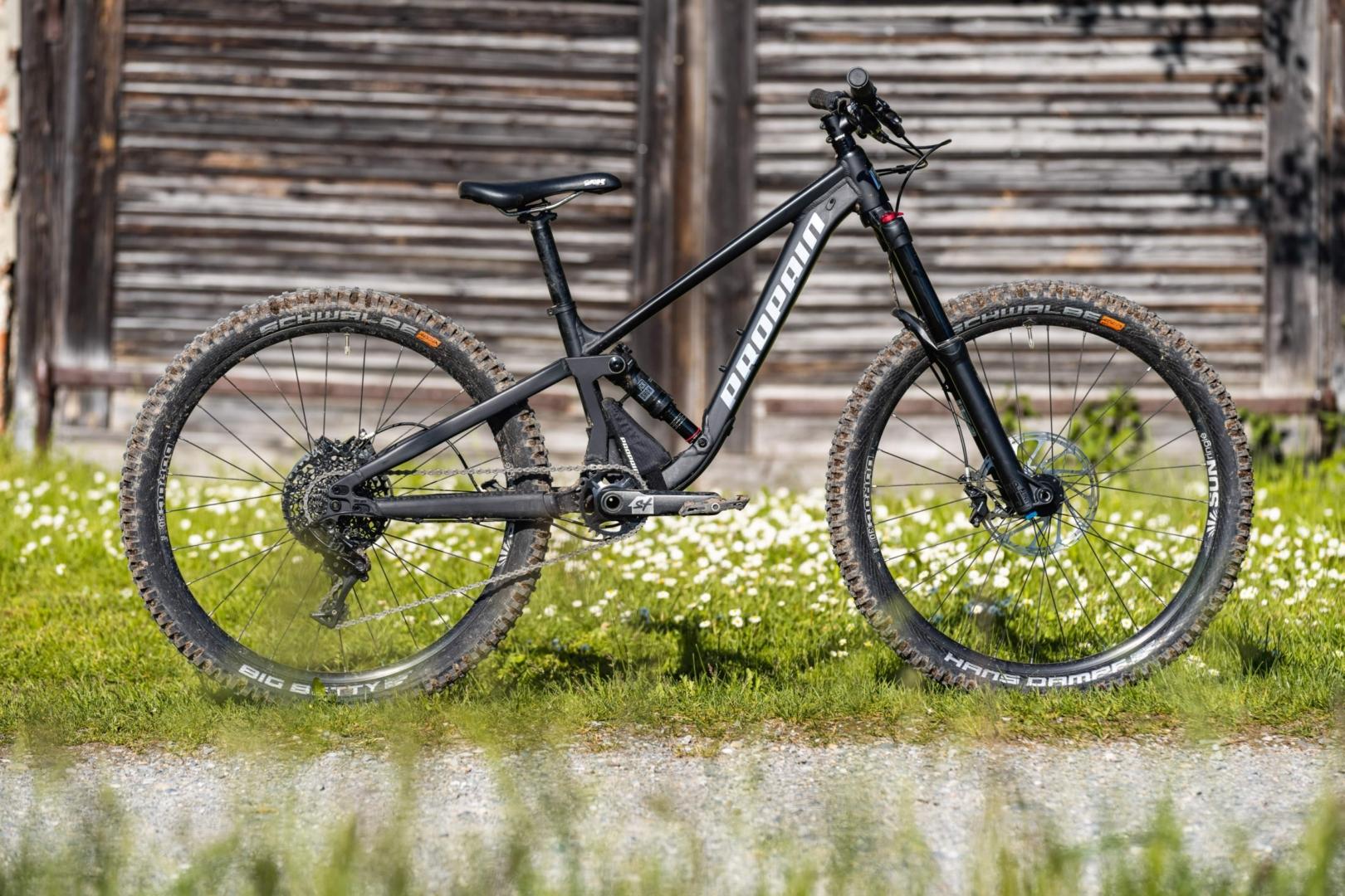 PROPAIN-Yuma-MY21-Weingarten-Bike-Still-venomblack-Side-scaled.jpg
