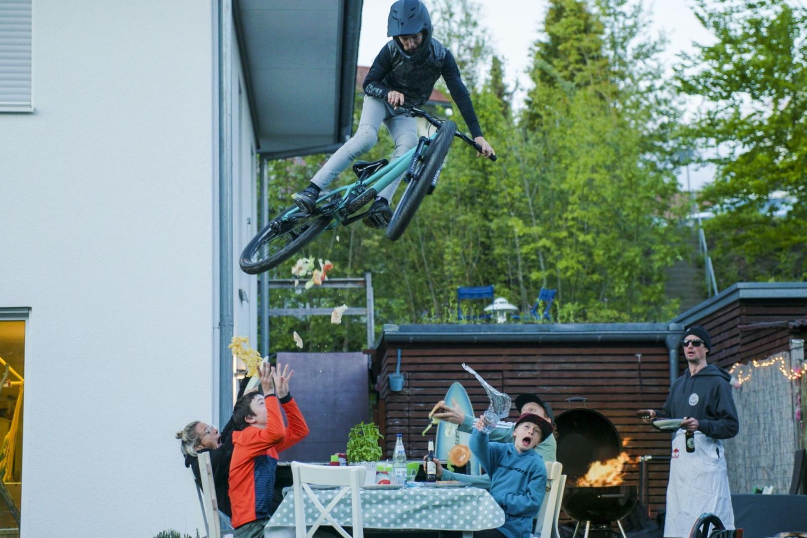 PROPAIN-Yuma-MY21-Weingarten-Mo-Jungaberle-Table-Jump
