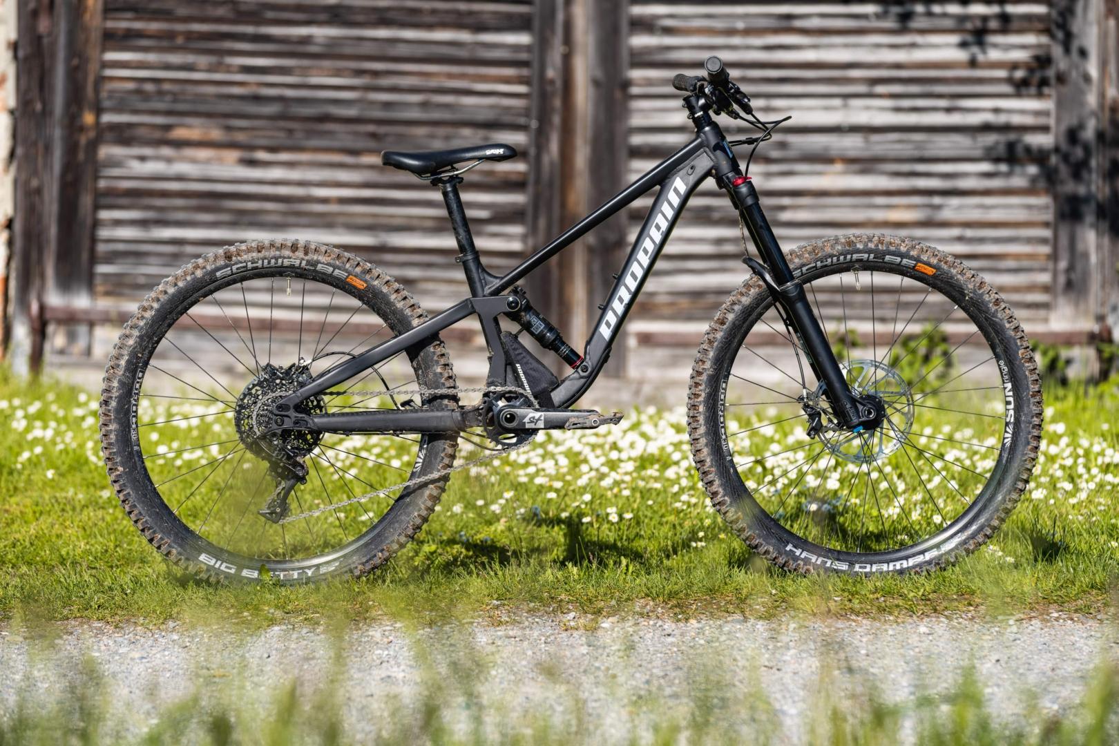 PROPAIN-Yuma-MY21-Weingarten_Bike-Still-venomblack-Wood