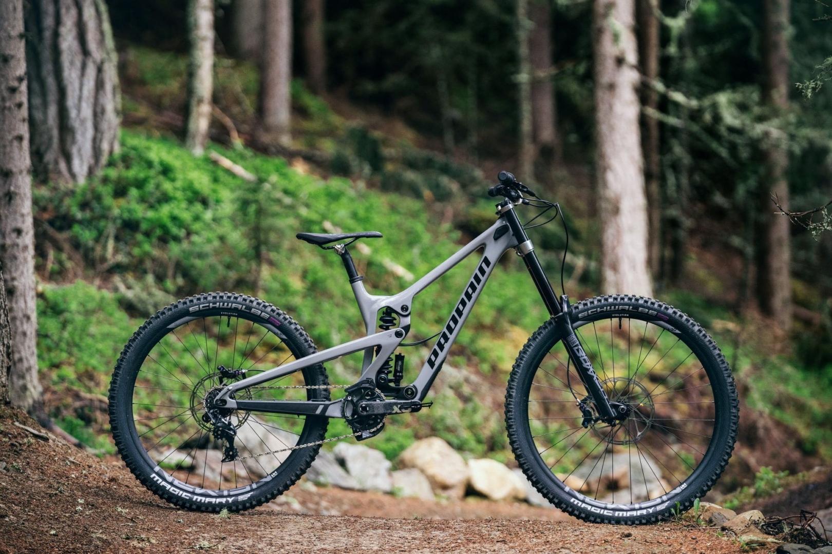 PROPAIN-Rage-CF-MY22-Schladming-Bike-Still-moongrey-dark-3800
