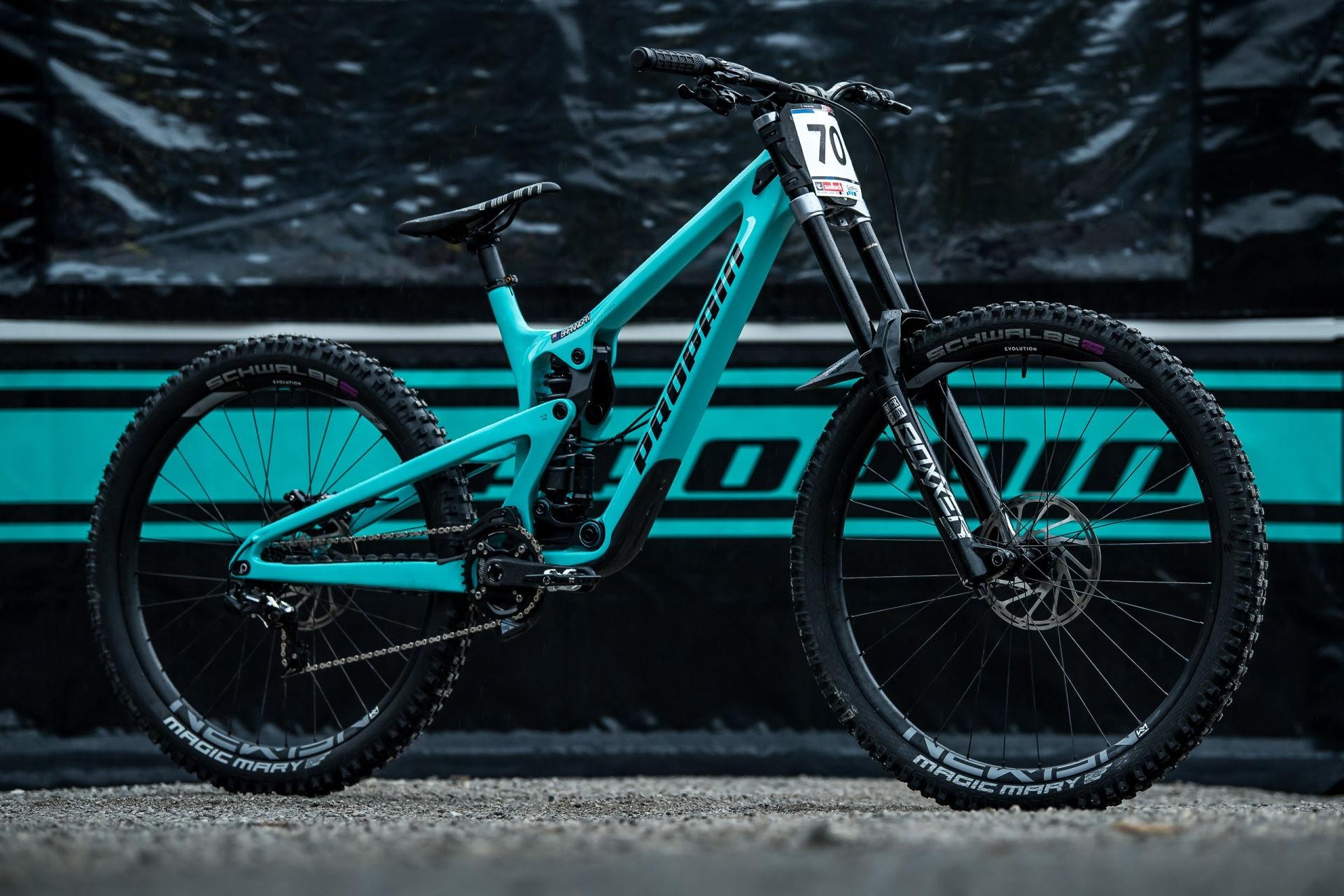 PROPAIN-Rage-CF-MY2021-Leogang-WC-Bike-Still-Pit-462